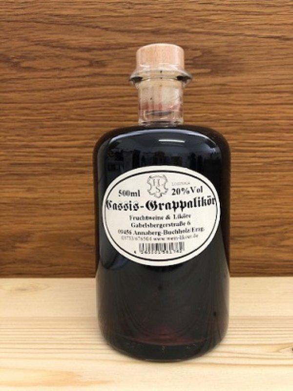 Cassis mit Grappa-Likör 20% vol
